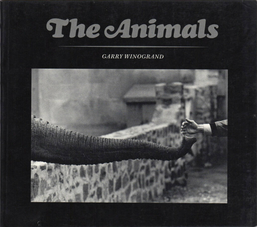 Garry Winogrand - The Animals (Softcover, first edition), The Museum of Modern Art 1969, Cover - http://josefchladek.com/book/garry_winogrand_-_the_animals_softcover_first_edition, © (c) josefchladek.com (25.08.2015)