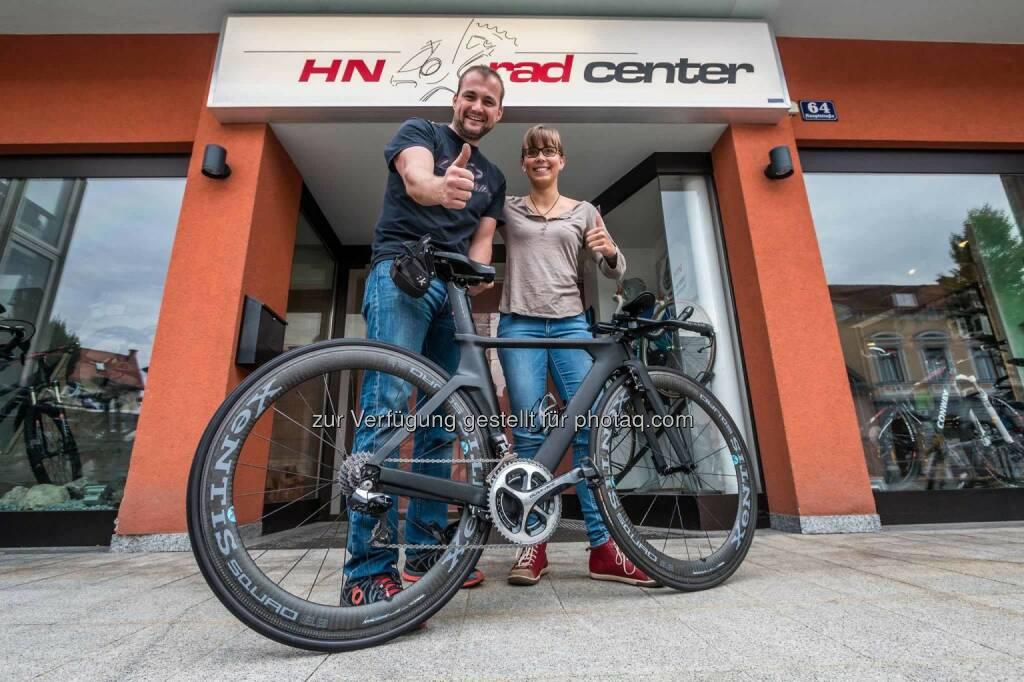 Gerd Hirschenberger (HN RadcenterI), Martina Kaltenreiner mit Rennrad (26.08.2015)