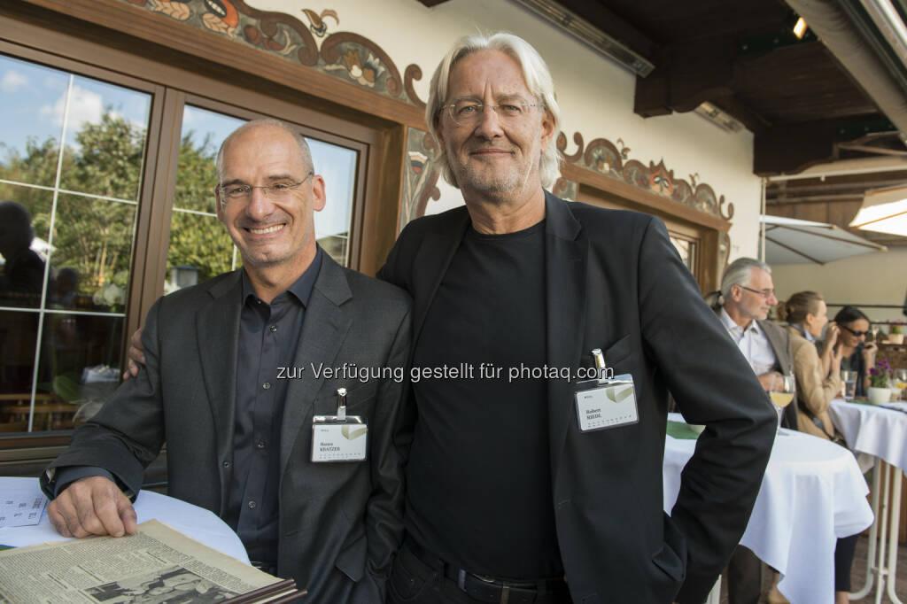 Hanns Kratzer (Peri Consulting), Robert Riedl (Peri Group) : alpbach - Gipfelgespräche auf der Schafalm : 180 – Drei Jubiläen, ein Empfang : Unter dem Schlagwort 180 wurde zu einem Empfang geladen, der gleich drei Jubiläen würdigen sollte: 50 Jahre Hanns Kratzer, 60 Jahre Robert Riedl, und 70 Jahre Europäisches Forum Alpbach : Birgit Pichler/Fotocredit: Welldone/APA-Fotoservice/Pichler, © Aussendung (26.08.2015)