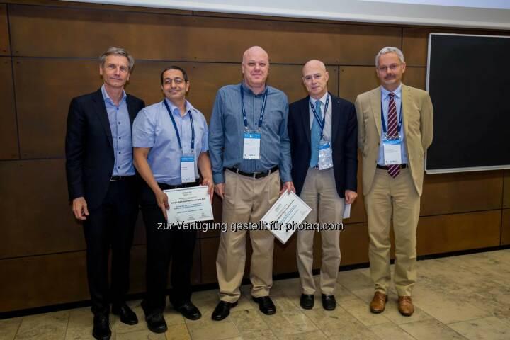 """Josef Zechner (Mitglied der Leitung des Spängler Iqam Research Center und der Wissenschaftlichen Leitung bei Spängler Iqam Invest), Jacob Oded (Preisträger), Avi Wohl (Preisträger), Franklin Allen (Herausgeber der Review of Finance) und Francois Degeorge (Präsident der European Finance Association): Im Rahmen der 42. Jahrestagung der European Finance Association (EFA), welche dieses Jahr erstmals in Wien stattfand, wurde bereits zum fünften Mal in Folge der """"Spängler Iqam Best Paper Prize"""" verliehen. (C) Spängler"""