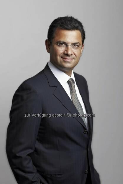 Naïm Abou-Jaoudé (CEO Candriam Investors Group) : Candriam verzeichnet Rekordwachstum im 1. Halbjahr 2015 : Verwaltetes Vermögen steigt um 13 Prozent auf 90,7 Milliarden Euro (Stand 30. Juni 2015) :  Nettomittelzuflüsse sind mit 8 Milliarden Euro in der ersten Jahreshälfte bereits höher als im Gesamtjahr 2014 : ©  www.red-robin.de, © Aussender (01.09.2015)