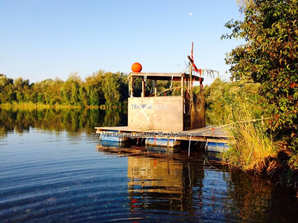 Floß, Boot, Wasser, schwimmen, © Martina Draper (01.09.2015)