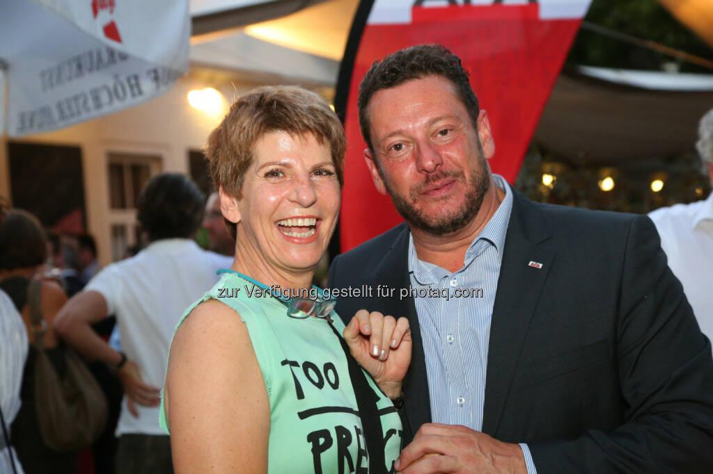 Brigitte Wolf (ORF) und Michael Lang (APA), © APA/Ludwig Schedl  (02.09.2015)
