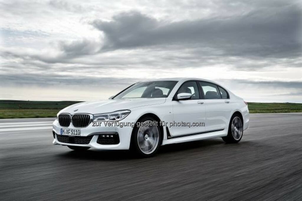 BMW 7er 750Li xDrive mit M Sportpaket : Der Generationswechsel an der Spitze des Modellprogramms und das Startsignal für ein breites Angebot an Plug-in-Hybrid-Fahrzeugen stehen im Mittelpunkt des Auftritts von BMW auf der Internationalen Automobil-Ausstellung (IAA) 2015 in Frankfurt am Main : © BMW Group, © Aussendung (03.09.2015)