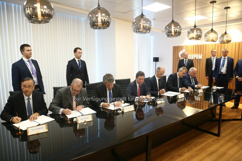 OMV : Signing of the Shareholder's Agreement on the Nord Stream 2 project : (c) Gazprom, © Aussendung (04.09.2015)