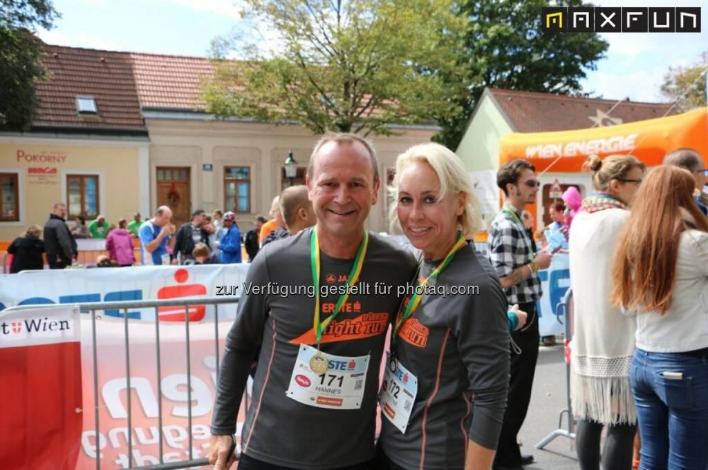 Ehepaar Menitz, erste bank vienna night run, Stammersdorfer Winzerlauf 2015, © MaxFun Sports (09.09.2015)