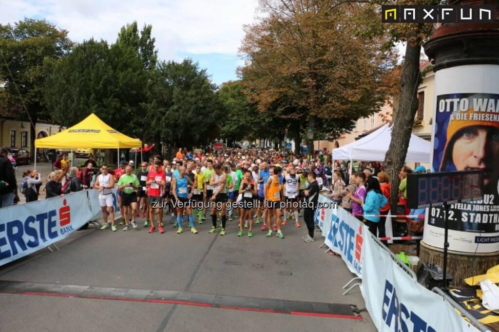 Stammersdorfer Winzerlauf 2015, Start, © MaxFun Sports (09.09.2015)