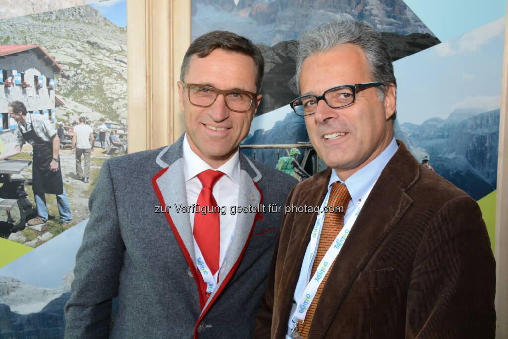 Josef Margreiter (AlpNet-Präsident), Harald Pechlaner (Eurac Bozen) : Tourismus-Fachtagung theAlps 2015 in Moena, Trentino (ITA): Biken als Zukunftschance des alpinen Sommertourismus : © pro.media, © Aussender (09.09.2015)