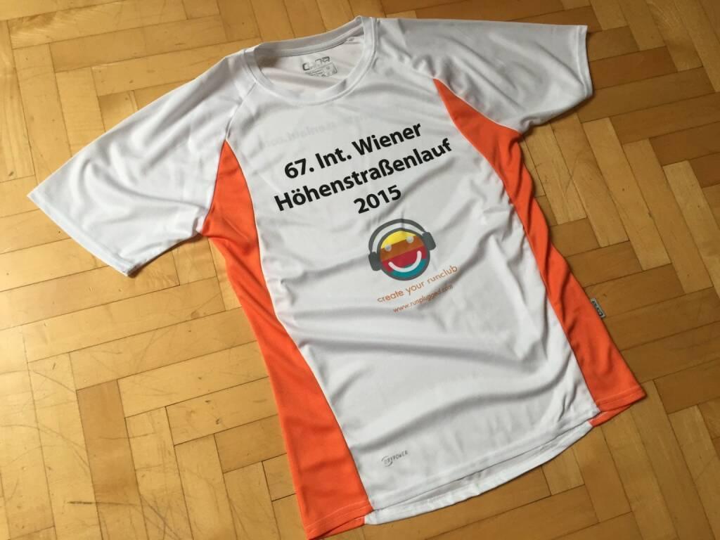 Runplugged als Sponsor des 67. Wiener Höhenstrassenlaufs. Hier das Shirt, das alle Starter, egal, ob 14,3k oder 5k, bekommen http://www.hoehenstrassenlauf.com http:/www.runplugged.com (09.09.2015)