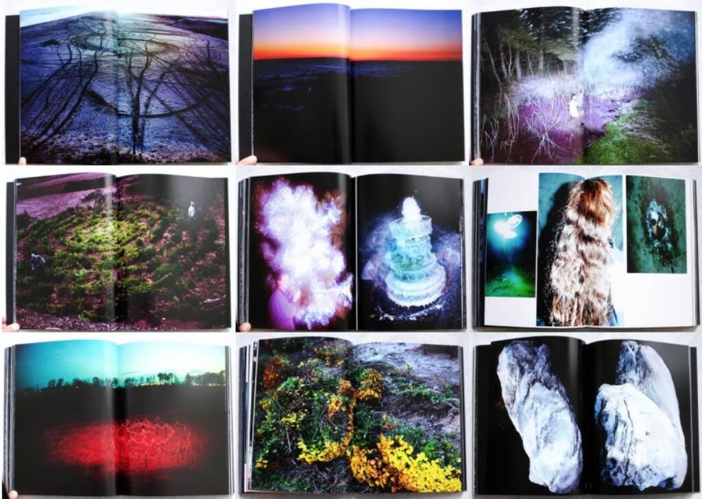 Lieko Shiga - Rasen Kaigan, Akaaka 2013, Beispielseiten, sample spreads - http://josefchladek.com/book/lieko_shiga_-_rasen_kaigan, © (c) josefchladek.com (13.09.2015)