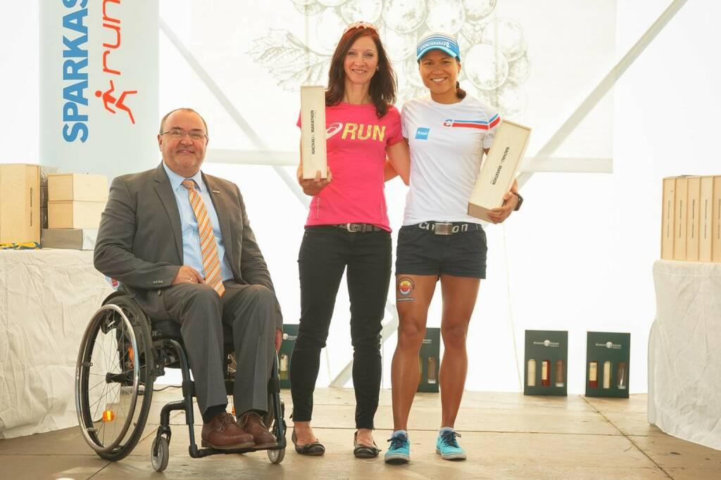 Annabelle Mary Konczer (Tristyle Runplugged Runners): AK-Sieg beim Wachau Halbmarathon 2015 (14.09.2015)