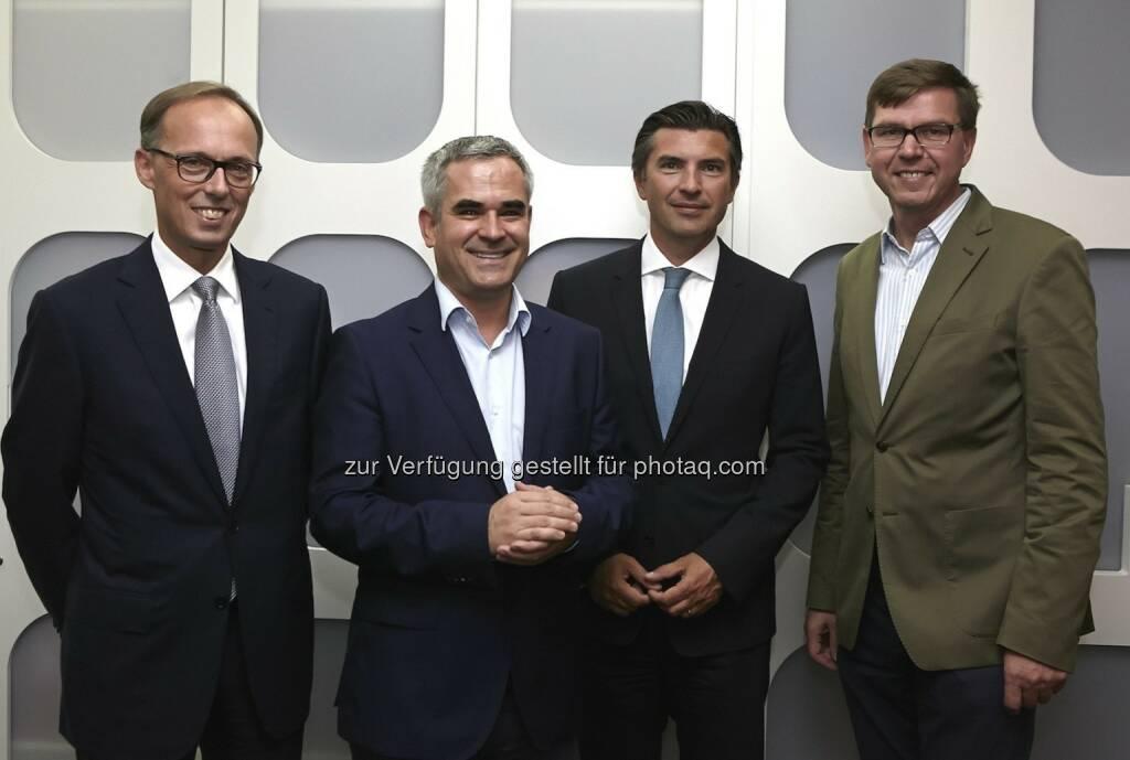 Klaus Malle (Accenture), Markus Kienberger (Google Österreich), Robert Zadrazil (UniCredit Bank Austria), Werner Wutscher (New Venture Scouting), © Fotocredit: © Accenture/APA/ Roßboth  (15.09.2015)