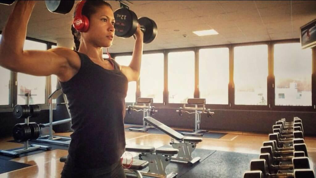 Kraft Power Muskeln  Annabelle-Mary Konczer (21.09.2015)