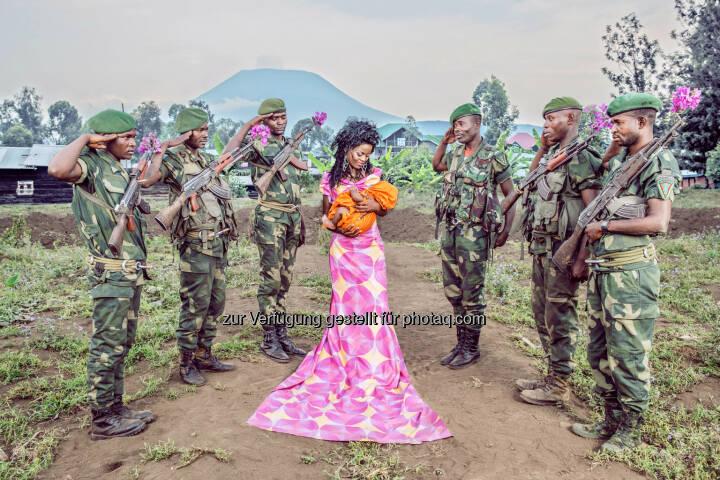 """Belgische Fotografin gewinnt den Alfred Fried Photography Award 2015 mit Visionen von einem besseren Afrika : Patricia Willocq für das """"Friedensbild des Jahres 2015"""" geehrt : © Patricia Willocq"""