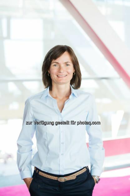 Anja Tretbar-Bustorf (42) übernimmt per 1. Oktober 2015 die Rolle als Leiterin der Rechts- und Regulierungsabteilung bei T-Mobile Austria : Fotocredit: T-Mobile/König, © Aussendung (23.09.2015)
