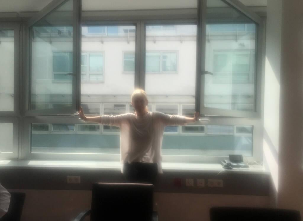 Open Windows Fenster Licht  (23.09.2015)