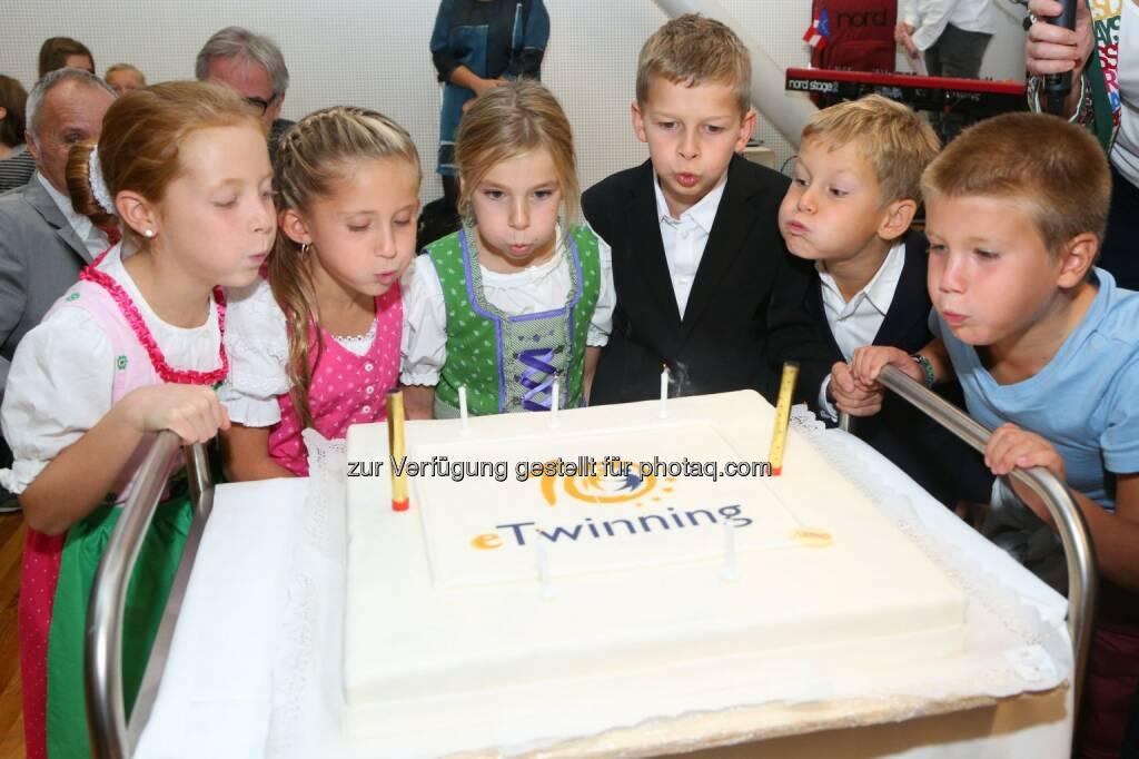 Schüler feiern 10 Jahre eTwinning : Über 40.000 grenzüberschreitende Schulpartnerschaften in Europa : Jährlich vergibt die Nationalagentur für Erasmus+ Bildung den österreichischen eTwinning-Preis und das eTwinning-Qualitätssiegel an die erfolgreichsten Projektträger : Fotocredit: OeAD-GmbH/APA-Fotoservice/Schedl, © Aussendung (23.09.2015)