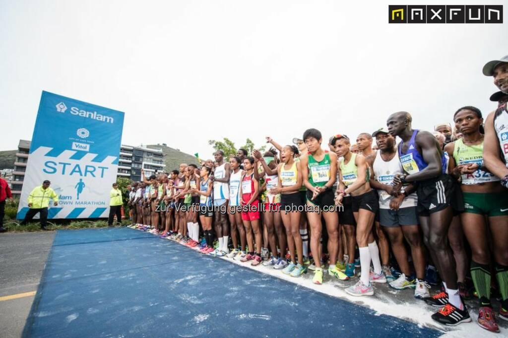 Kapstadt Marathon, vor dem Start, © Gerhard Böhm aus Kapstadt für MaxFun Sports (27.09.2015)