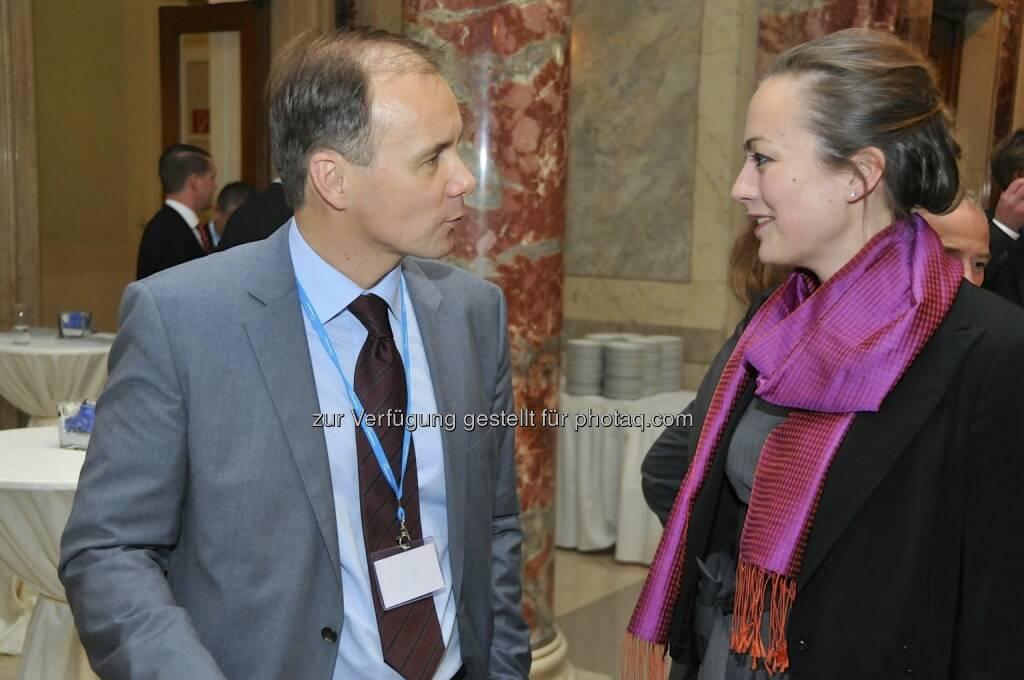 Ulrike Haidenthaller (Aktienforum, rechts) (15.12.2012)