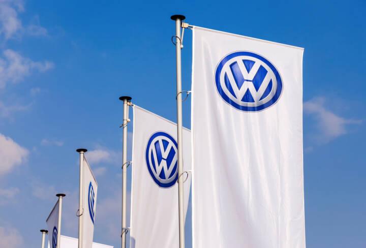VW, Volkswagen, <a href=http://www.shutterstock.com/gallery-365671p1.html?cr=00&pl=edit-00>FotograFFF</a> / <a href=http://www.shutterstock.com/editorial?cr=00&pl=edit-00>Shutterstock.com</a>, FotograFFF / Shutterstock.com