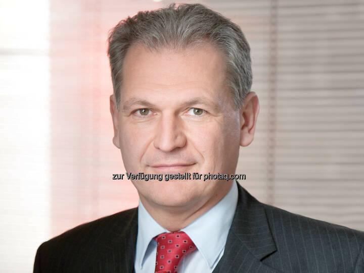 Tibor Fabian (Partner) : Ein Team um Binder Grösswang Partner Tibor Fabian (Banking and Finance) und Markus Uitz (Corporate/M&A) beriet das englische Käuferkonsortium, bestehend aus der englischen Interritus Limited, die von Patrick Bettscheider initiiert wurde, und der irischen Trinity Investments Limited, die vom Londoner Vermögensverwalter Attestor Capital LLP verwaltet wird, beim Erwerb von 99,78 % der Anteile an der Kommunalkredit Austria im Rahmen eines Bieterverfahrens : © Binder Grösswang Rechtsanwälte GmbH