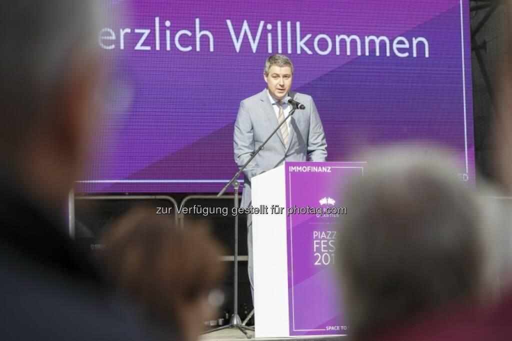 CEO Oliver Schumy bedankte sich bei allen Beteiligten, © (c) Immofinanz (29.09.2015)