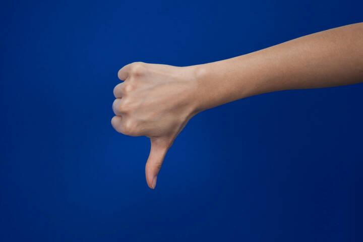 dislike, Daumen, Daumen runter, negativ, nein, http://www.shutterstock.com/de/pic-261614393/stock-photo-dislike.html