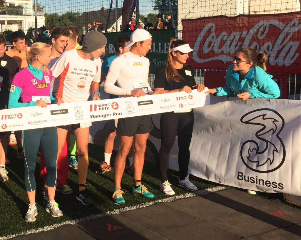Start: Nadine Brandl, Christian Drastil, Ana Roxana Lehaci , Coach Veronika Kratochwil (29.09.2015)