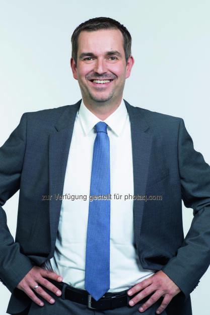Clemens Pig : Gremien-Beschluss: Clemens Pig übernimmt ab Juli 2016 den Vorsitz der APA-Geschäftsführung – Peter Kropsch wechselt zur Deutschen Presse-Agentur (dpa) : Fotocredit: APA, © Aussendung (29.09.2015)