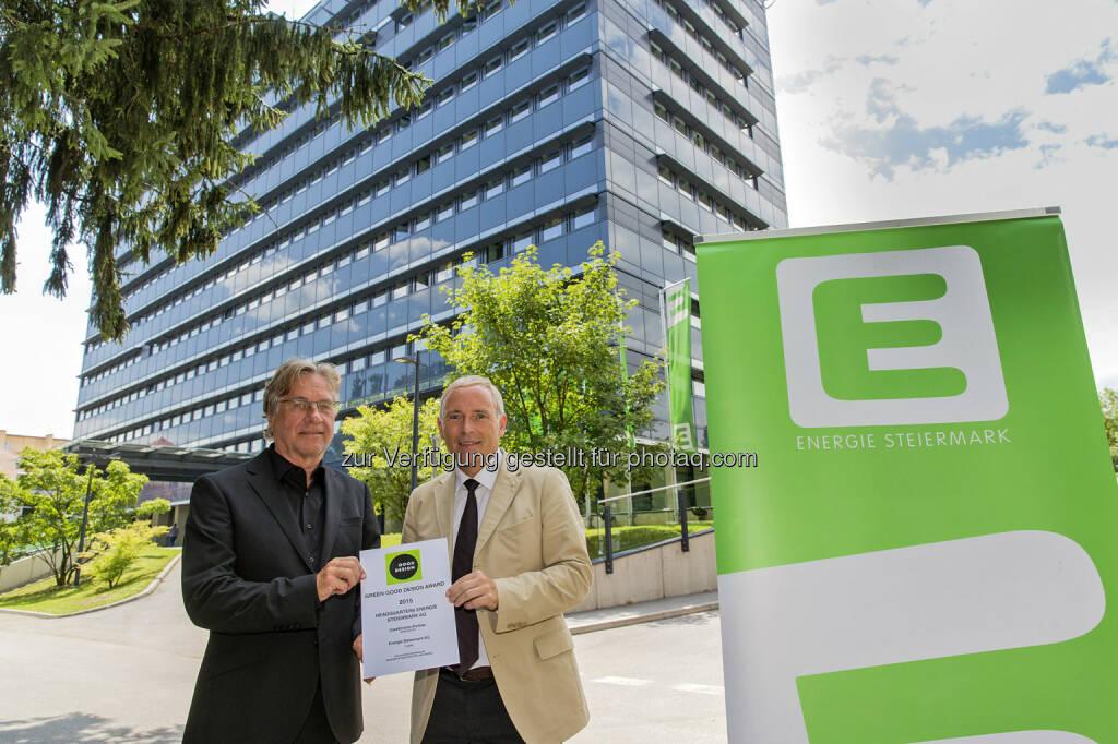 """Ernst Giselbrecht (Architekt), Christian Purre (Vorstandssprecher) : Großer US-Architekturpreis """"Green Good Design Award""""  für """"E-Office"""" der Energie Steiermark : Fotocredit: Energie Steiermark, © Aussendung (30.09.2015)"""