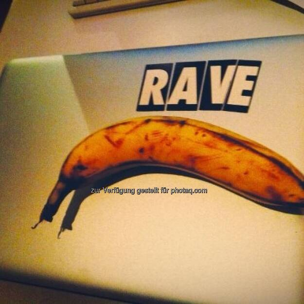 rave banana mac is the title of my latest mastapiece https://www.facebook.com/bananingofficial (22.03.2013)