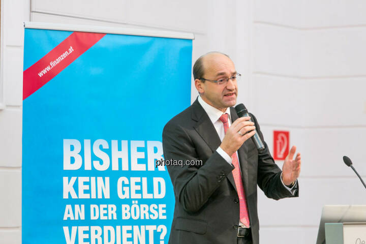 Ernst Huber (Hello bank!)