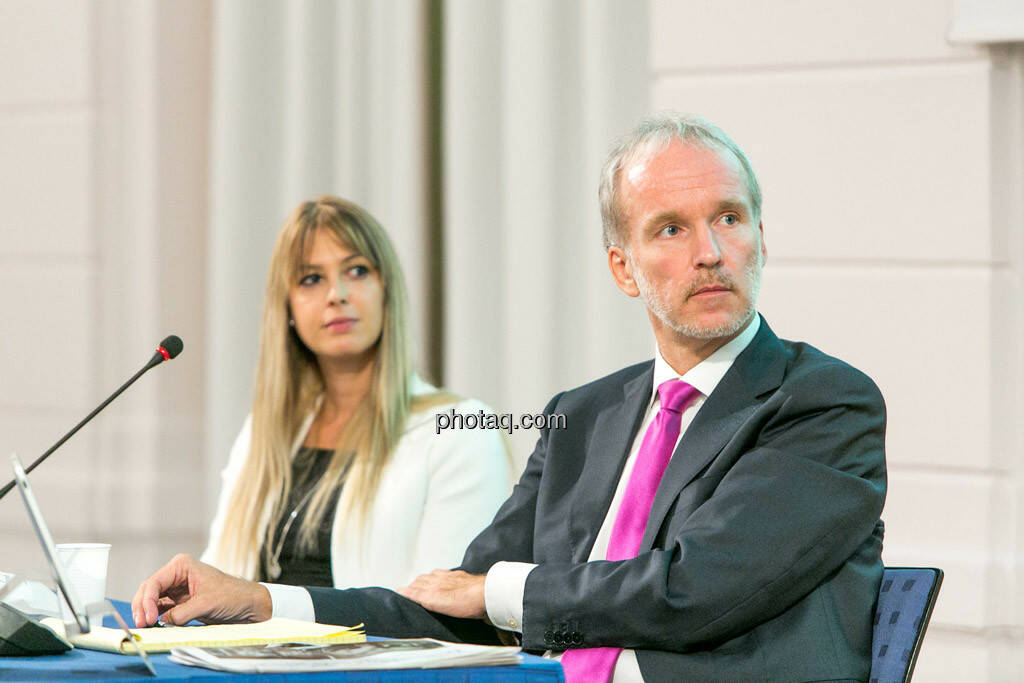 Nina Bergmann (finanzen.at/Springer), Christian Drastil, © photaq/Martina Draper (01.10.2015)