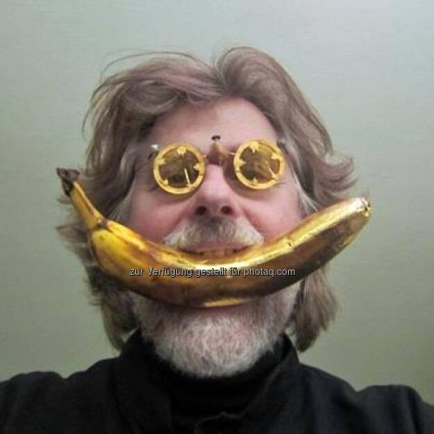 Social Gold Banana https://www.facebook.com/bananingofficial (22.03.2013)