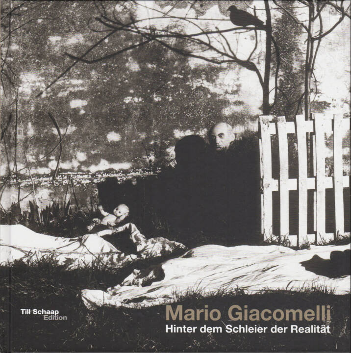 Mario Giacomelli - Hinter dem Schleier der Realität / Under the Skin of Reality, Till Schaap Edition/Schilt 2015, Cover - http://josefchladek.com/book/mario_giacomelli_-_hinter_dem_schleier_der_realitat_under_the_skin_of_reality
