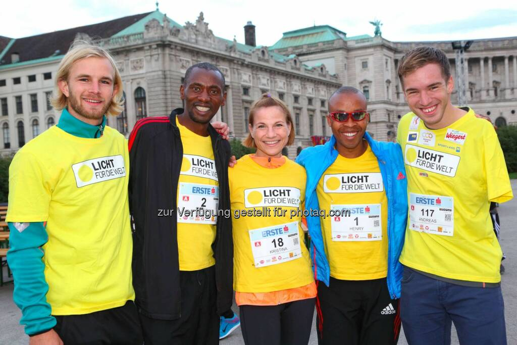 ORF-Fußballexperte Peter Hackmair, BegleitläuferJoseph Gibunja, Christina Sprenger,  Henry Wanyoike, Paralympicsschwimmer Andreas Onea, © leisure.at/Ludwig Schedl (02.10.2015)