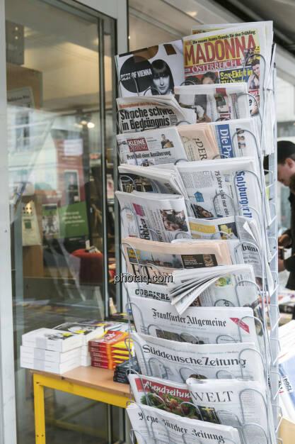 Zeitungen Wirtschaft, © Martina Draper (21.02.2013)