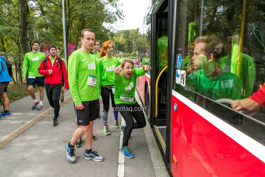 Team wikifolio Runplugged Runners, yes, © Martina Draper/photaq (04.10.2015)