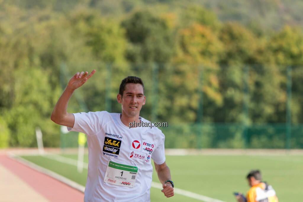 Andreas Vojta, 2. Platz 67. Internationaler Höhenstraßenlauf Classic, © Martina Draper/photaq (04.10.2015)