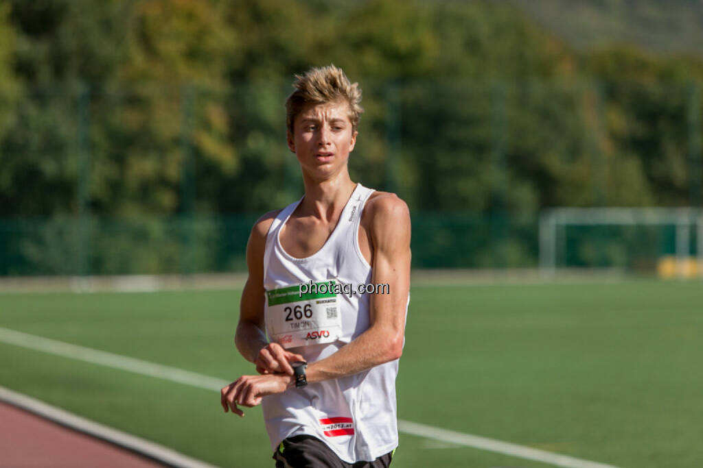 Timon Theuer, 3. Platz  67. Internationaler Höhenstraßenlauf Classic, © Martina Draper/photaq (04.10.2015)