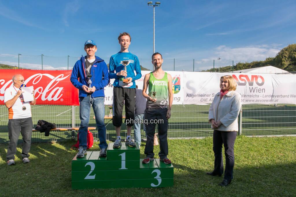 Sieger Herren 5k Runplugged Runclub Opening, © Martina Draper/photaq (04.10.2015)