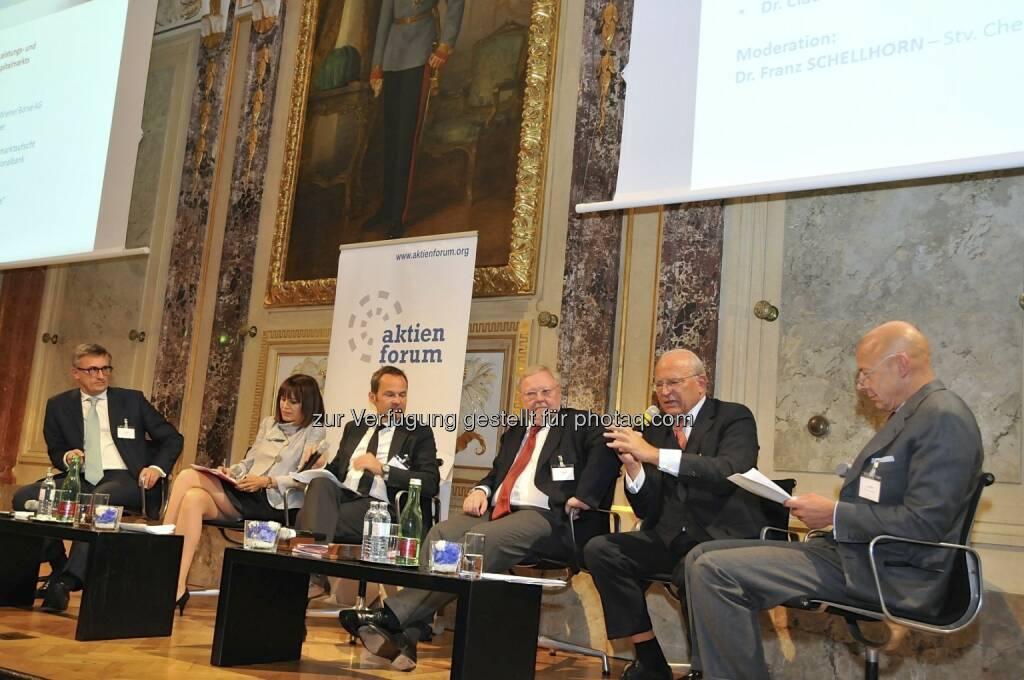 Robert Ottel (voestalpine/Aktienforum), Birgit Kuras (Wiener Börse), Franz Schellhorn (Die Presse), Werner Muhm (AK), Claus Raidl (OeNB), Kurt Pribil (FMA) (15.12.2012)