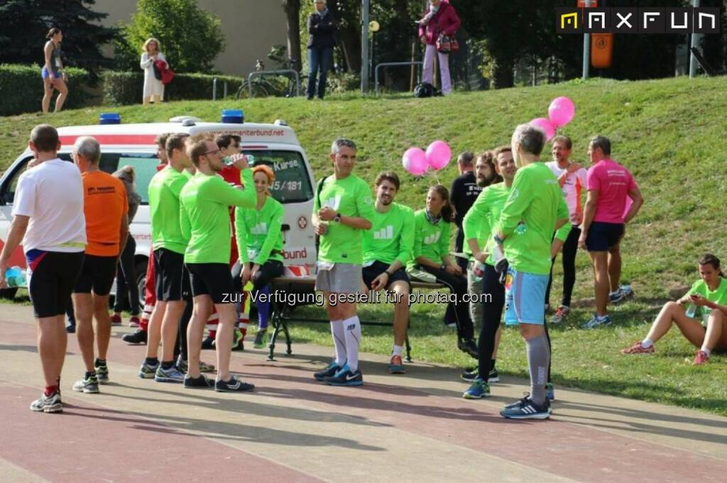 67. Internationaler Wiener Höhenstraßenlauf, wikifolio runplugged runners, © MaxFun Sports (06.10.2015)