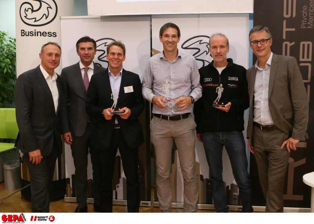 Rang 3 beim Manager Run, Preisübergabe durch Toni Schutti, Robert Zadrazil und Jan Trionow / GEPA pictures/ Philipp Brem, zur Verfügung gestellt von der Österreichischen Sporthilfe (06.10.2015)