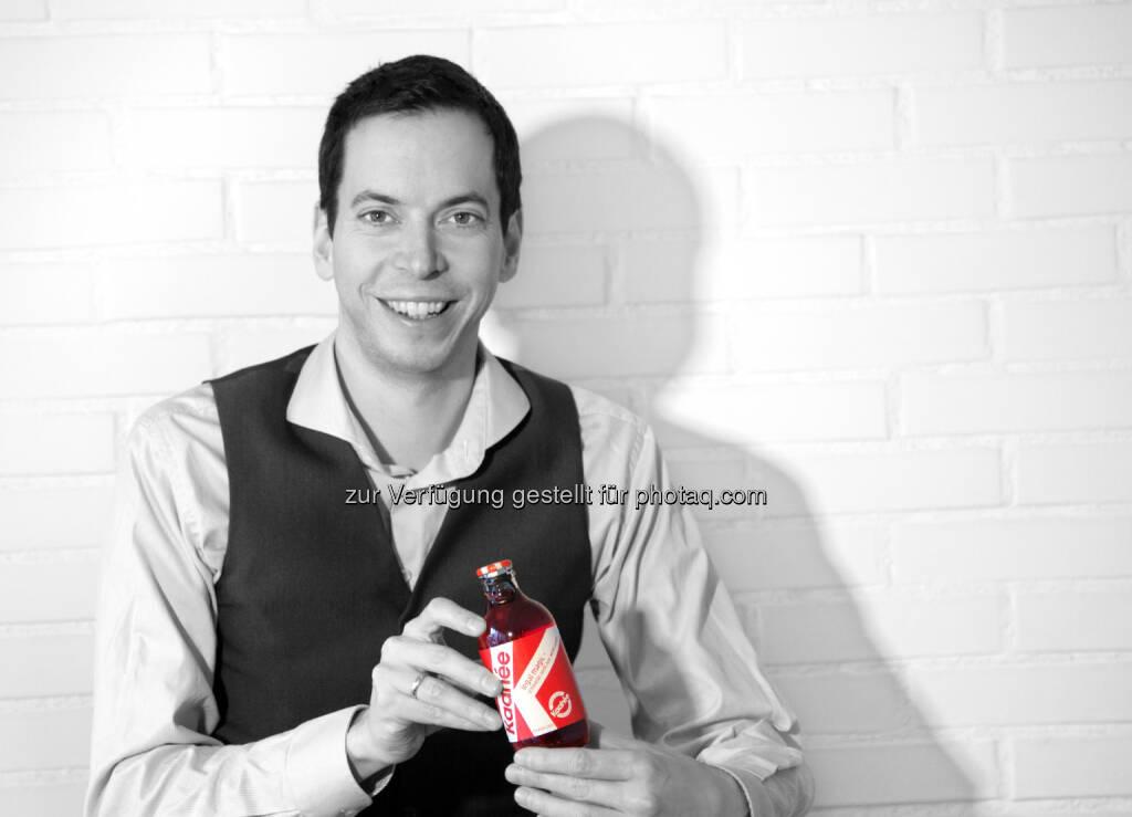Julian Juen (Kaahée Gründer) : Kaahée setzt neue Maßstäbe im Crowdinvesting in Österreich und erreichte heute als erste Kampagne 500.000 Euro : Das Funding-Limit wurde auf 750.000 Euro erneut erhöht :  Schmidbauer (Biogena) konnte als neuer strategischer Investor bei Kaahée gewonnen werden : © Kaahée, © Aussender (07.10.2015)