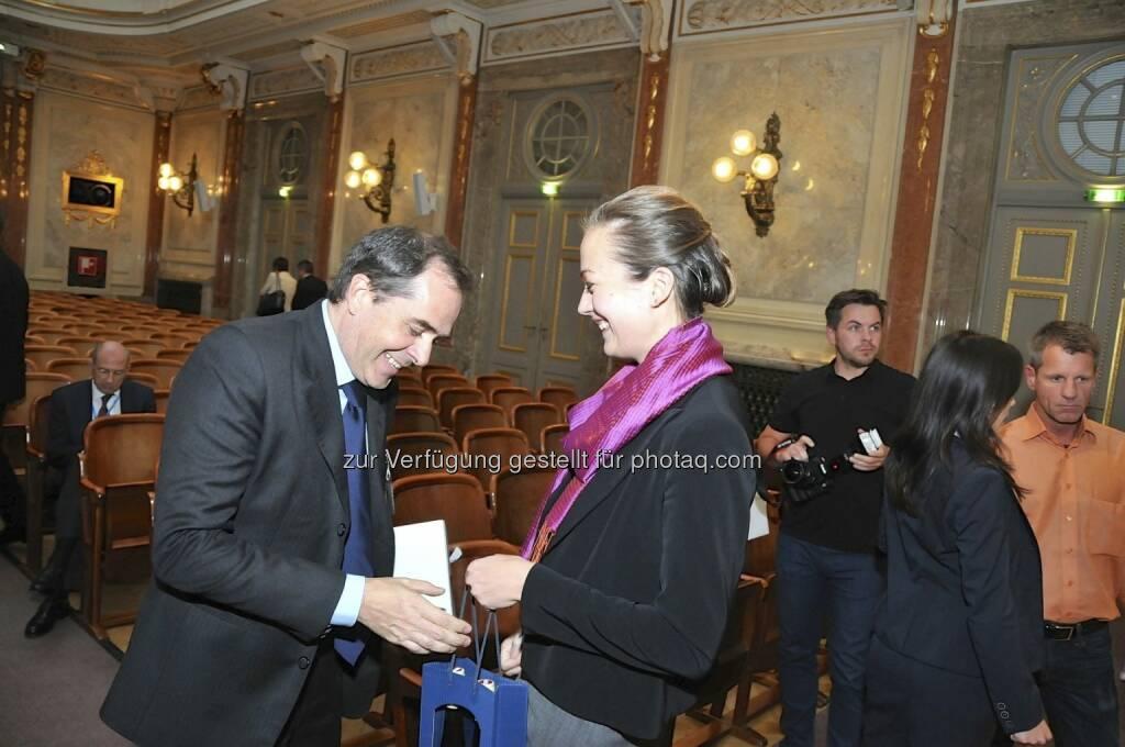 Wolfgang Matejka (Matejka & Partner), Ulrike Haidenthaller (Aktienforum) (15.12.2012)