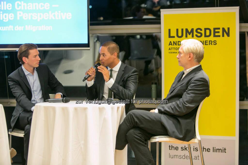 Außenminister Sebastian Kurz, Robin Lumsden (Lumsden and Partners), Peter Pelinka, © Martina Draper (16.10.2015)