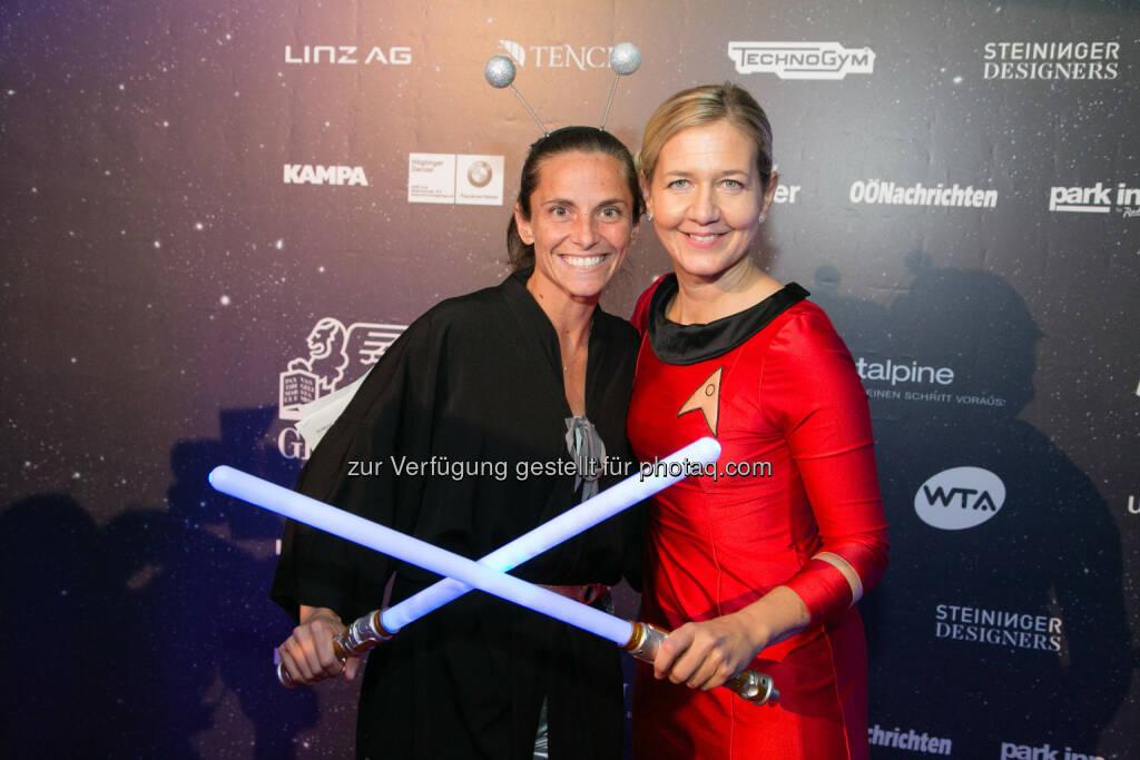 Roberta Vinci vs. Sandra Reichel - Star Wars Duell Generali Ladies  © Roland Pelzl/Cityfoto, © Aussendung (17.10.2015)