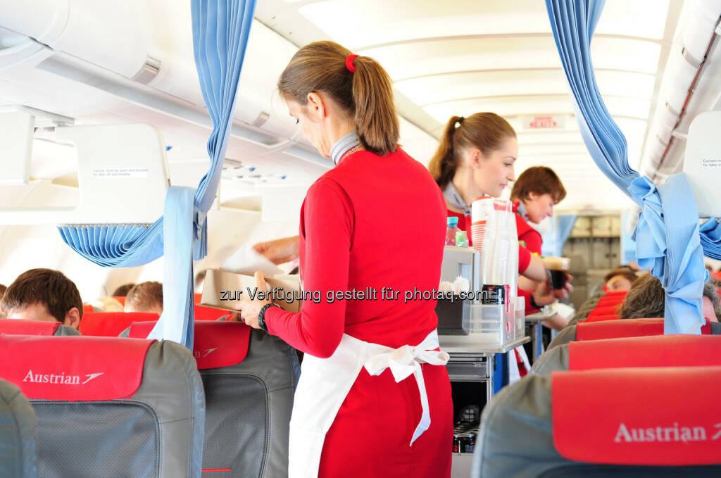 Austrian Flugbegleiter : Austrian Airlines stellt 240 neue Flugbegleiter an : 90 Flugbegleiterinnen und Flugbegleiter noch heuer in der Schulung : 150 Flugbegleiterinnen und Flugbegleiter werden noch gesucht : © Patrick Huber für Austrian Airlines, © Aussendung (28.10.2015)