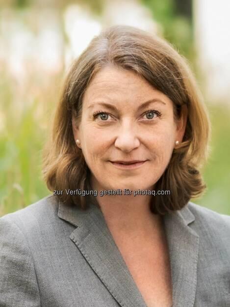 Yvonne Rosslenbroich : Neuer Personalvorstand bei der Daimler Financial Services AG ab 1. November 2015 : © Daimler AG, © Aussendung (29.10.2015)